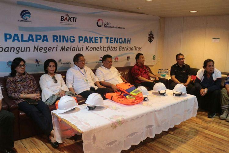 Pemerintah memastikan proyek Palapa Ring Paket Tengah rampung akhir tahun ini dan d   apat beroperasi tahun depan.