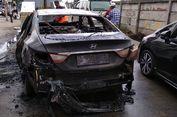 Hyundai Sonata Terbakar di Samping Pintu Tol Cijago, Depok