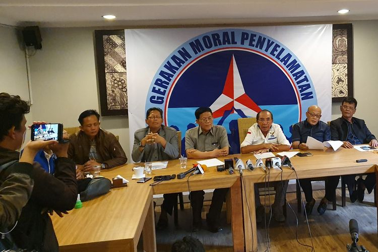Senior Partai Demokrat membuat gerakan untuk mendorong Kongres Luar Biasa Demokrat, di Jakarta, Kamis (13/6/2019).