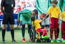 Ketika Ronaldo Ajak Warga Bantu Anak-anak Pengungsi Rohingya...