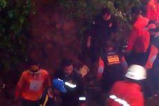 Relawan Lanjutkan Evakuasi Korban Talud Longsor Temanggung