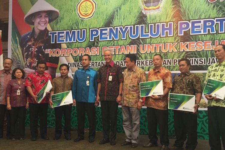 Gubernur Jawa Tengah Ganjar Pranowo menghadiri Temu Penyuluh Pertanian di Semarang, Selasa (10/10/2017)