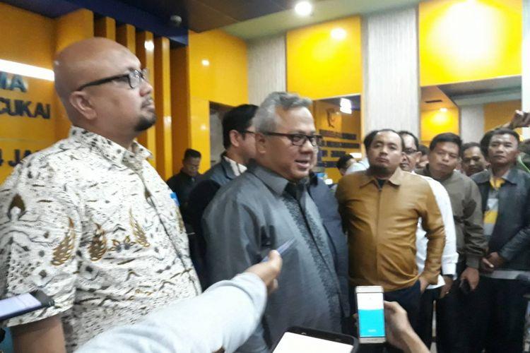 Komisioner KPU dan Bawaslu di kantor Bea Cukai Tanjung Priok, Jakarta Utara