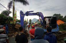 Belasan Rumah di Sleman Rusak Tertimpa Pohon Tumbang