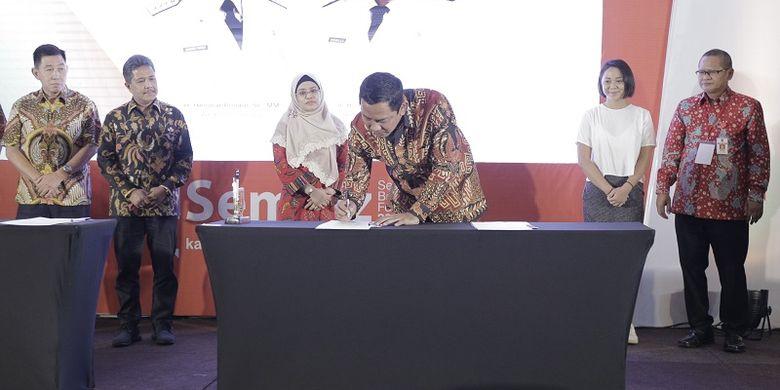 Wali Kota Semarang Hendi mendatangain LOI ( letter Of Intent ) di acara Semarang Business Forum (Sembiz) 2018 di Patra Semarang Hotel and Convention, Kamis (17/10/2018)