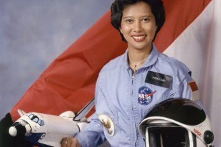 Pratiwi Sudarmono, salah satu ilmuwan Indonesia yang pernah terlibat proyek dengan NASA.