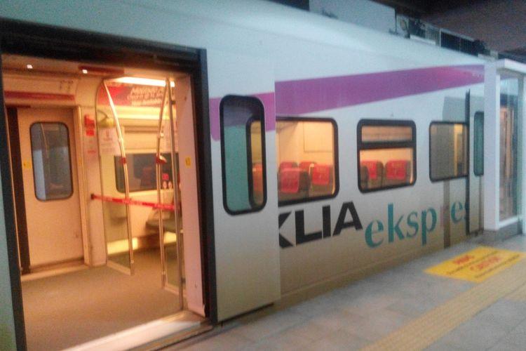 Kereta cepat bandara Kuala Lumpur (KL) Ekspres di Kuala Lumpur International Airport 2 (KLIA2).