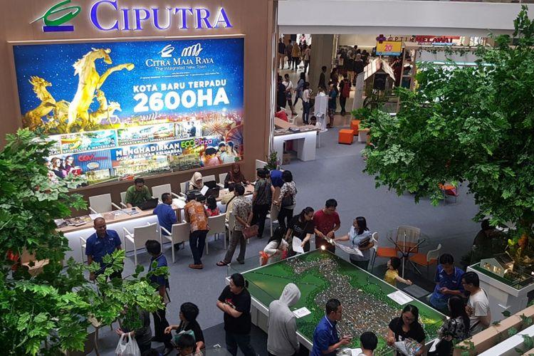 Pameran Citra Maja Raya di Citra Land, Grogol, Jakarta Barat, Selasa (10/4/2018) diserbu pembeli.