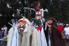 Dinosaurus Ramaikan Festival Ogoh-ogoh di Batam