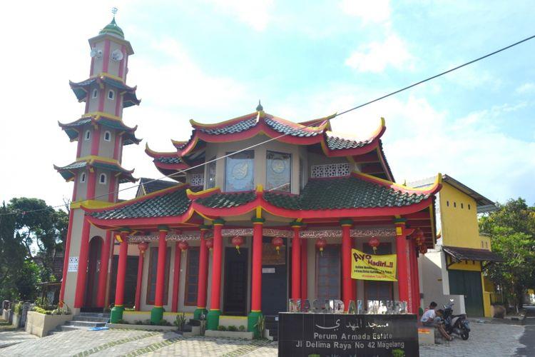 Masjid Al Mahdi, bergaya mirip Kelenteng, di komplek Perumahan Armada Estate, Kota Magelang, awal Juni 2017.(Kompas.com/Ika Fitriana)