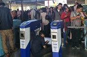 Ada Perbaikan Sistem E-Ticketing, Antrean Penumpang Mengular di Stasiun Manggarai