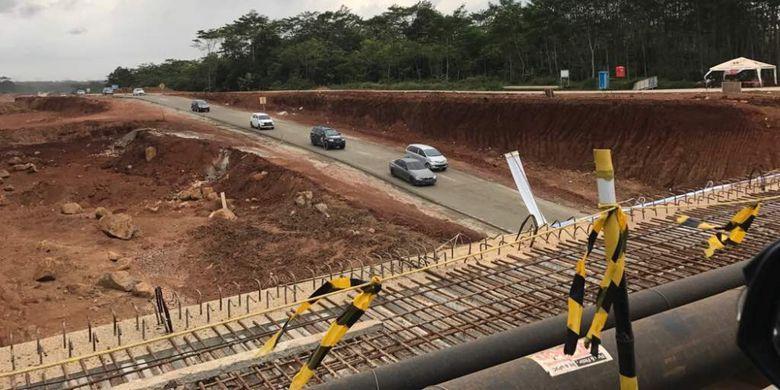 H-1 Lebaran, kondisi jalan tol Batang-Semarang ramai lancar