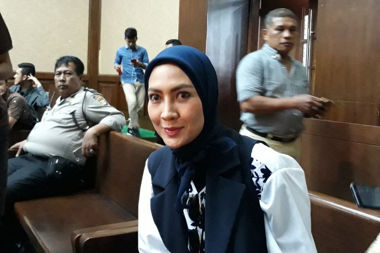 Steffy Burase di Pengadilan Tipikor Jakarta, Senin (22/10/2018).