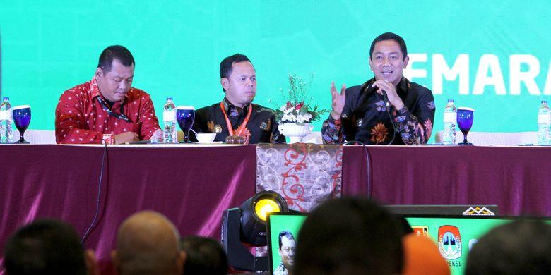 Wali Kota Semarang Hendrar Prihadi menyampaikan Sharing Session bersama Wali Kota Bogor Bima Arya saat Rakerkomwil III Apeksi 2019 di Ballroom Hotel PO Semarang, Jumat (29/3/2019).