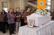 UGM Berduka, Salah Satu Putra Terbaik Bidang Ilmu Ekonomi di Indonesia Tutup Usia