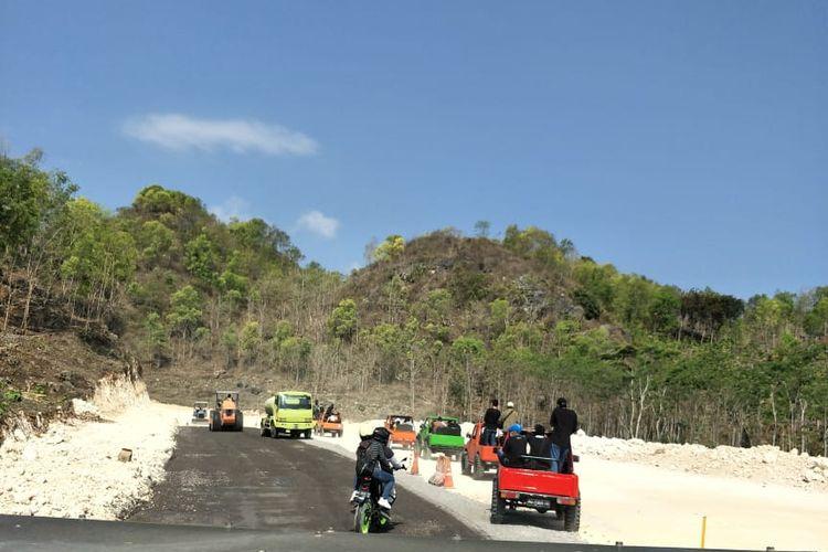 Offroad di Gunungkidul melewati Jalur Lintas Selatan yang tengah dalam proses pembangunan.