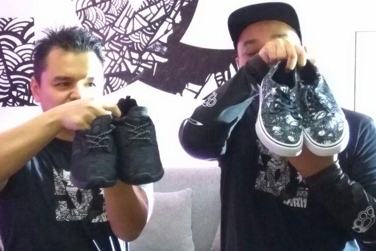 Darbotz dengan sepatu DC Shoes yang dihiasi karyanya