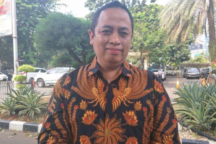 Komisioner Badan Pengawas Pemilihan Umum (Bawaslu) DKI Jakarta Puadi menyambangi Polda Metro Jaya, Jumat (12/10/2018).