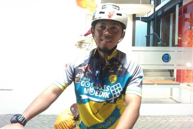 Yugo Purwanto (35) warga Ciledug, Tangerang, yang mudik naik sepeda ke Wonogiri, Jawa Tengah.