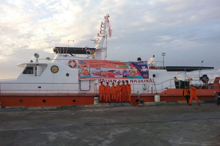 Sejumlah personil Basarnas melakukan pengamanan di Teluk Tomini dan Laut Sulawesi untuk mengantisipasi kecelakaan laut.