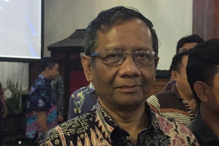 Mantan Ketua MK, Prof. DR. Mahfud MD saat menghadiri seminar nasional Madura menjadi provinsi di Kabupaten Pamekasan.