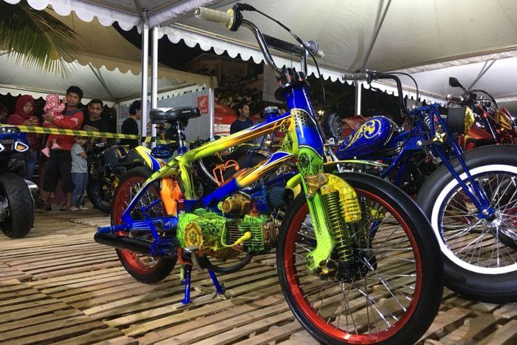 Motor yang menggnakan rangka sepeda di HMC 2018, Makassar.