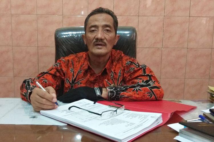 Kepala Dinas Pendidikan Kabupaten Magetan Joko Santosa mengatakan, daerahnya kekurangan lebih dari 1.600 guru SD. Kuota Penerimaan CPNS tahun 2018 hanya mengalokasikan 370 orang, sehingga dipastikan tidak akan mencukupi kekurangan tersebut.