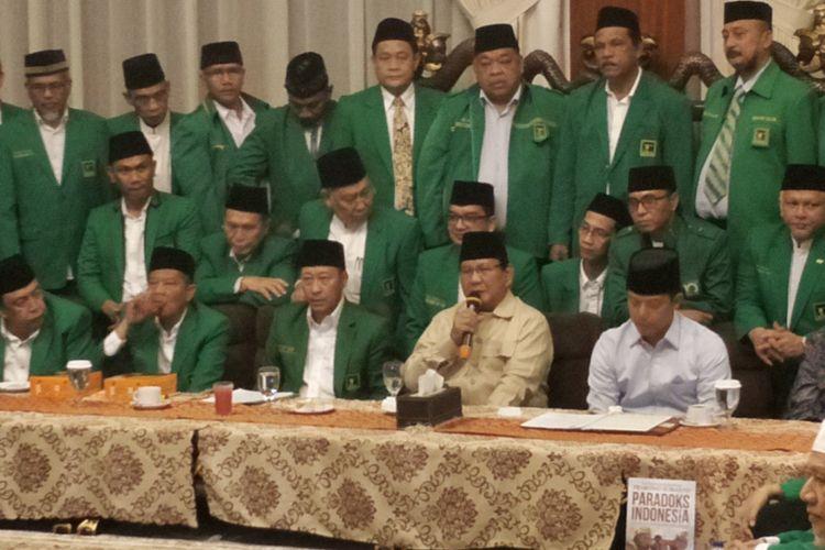 Calon presiden nomor urut 02 Prabowo Subianto menerima dukungan dari seluruh pimpinan Partai Persatuan Pembangunan (PPP) hasil muktamar Jakarta dengan penuh tannggung jawab. Ia bertekad untuk tidak mengecewakan atas dukungan yang telah diberikan tersebut.