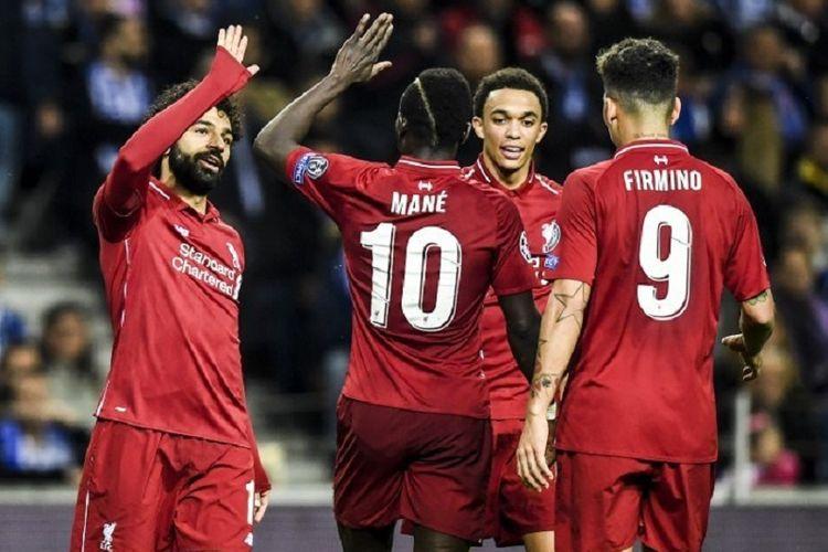 Trent Alexander Arnold bersama Trio Firmansah - Roberto Firmino, Sadio Mane, Mohamed Salah - merayakan gol pada laga FC Porto vs Liverpool dalam perempat final Liga Champions di Stadion Do Dragao, 17 April 2019.