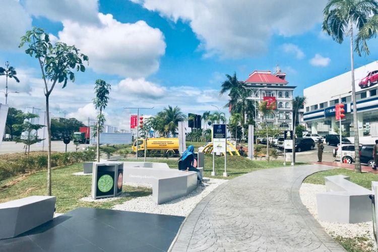 Taman bernuansa budaya itu mengambil tema Melayu sebagai ikon baru Kota Batam. Nama lengkap taman tersebut adalah Taman Tuah Melayu Batam yang telah digarap PGN selama beberapa waktu belakangan ini.