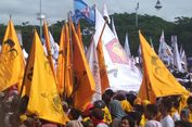 Bendara Golkar Hiasi Kampanye Akbar Prabowo di Makassar