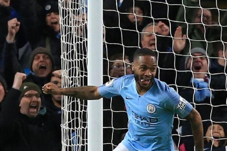 Raheem Sterling merayakan gol keduanya pada pertandingan Manchester City vs Watford di Stadion Etihad dalam lanjutan Liga Inggris, 9 Maret 2019.