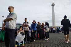 Berburu Paspor Kilat di Monas, Warga Berdatangan dari Jam 2 Pagi