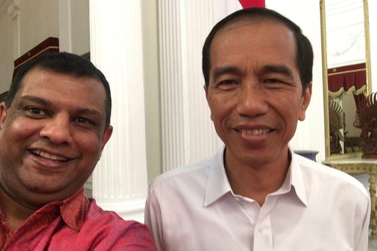 Presiden Joko Widodo (Jokowi) dan CEO AirAsia Tony Fernandes