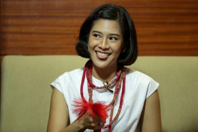 Pemeran tokoh Kartini, Dian Sastrowardoyo saat wawancara eksklusif Kompas.com seputar film Kartini di Jakarta, Jumat (7/4/2017). Film garapan sutradara Hanung Bramantyo mengisahkan perjuangan RA Kartini akan tayang di bioskop mulai 19 April 2017.