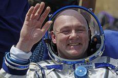 Astronot Ini Tak Sengaja Telepon 911 Saat di Luar Angkasa