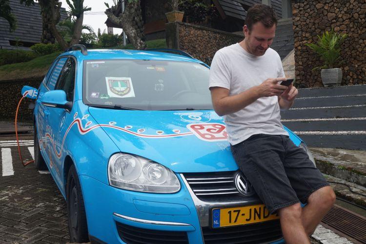 Wiebe Wakker sudah menempuh perjalanan selama 2 tahun dan melintasi 31 negara.