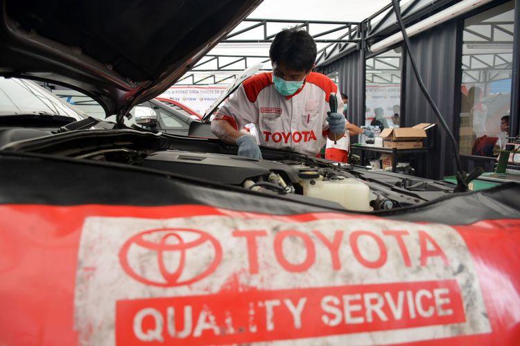 Servis Toyota.