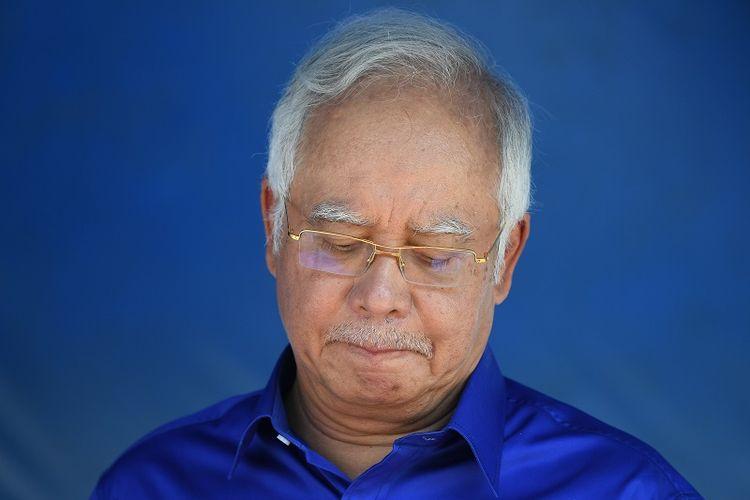 Najib Razak ketika masih menjadi Perdana Menteri Malaysia ketika melakukan kampanye di Pahang (6/5/2018). Koalisinya, Barisan Nasional, kalah dari oposisi Pakatan Harapan pada pemilu Rabu (9/5/2018).