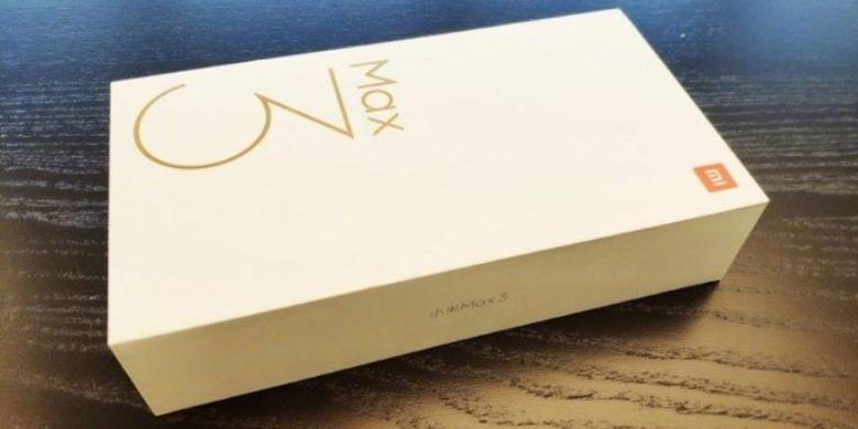 CEO Xiaomi Pamer Kotak Kemasan Mi Max 3