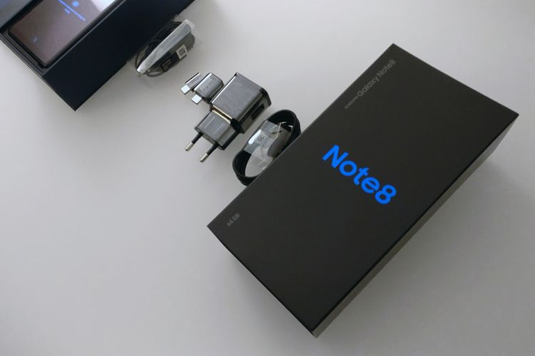 Kotak pembelian Galaxy Note 8