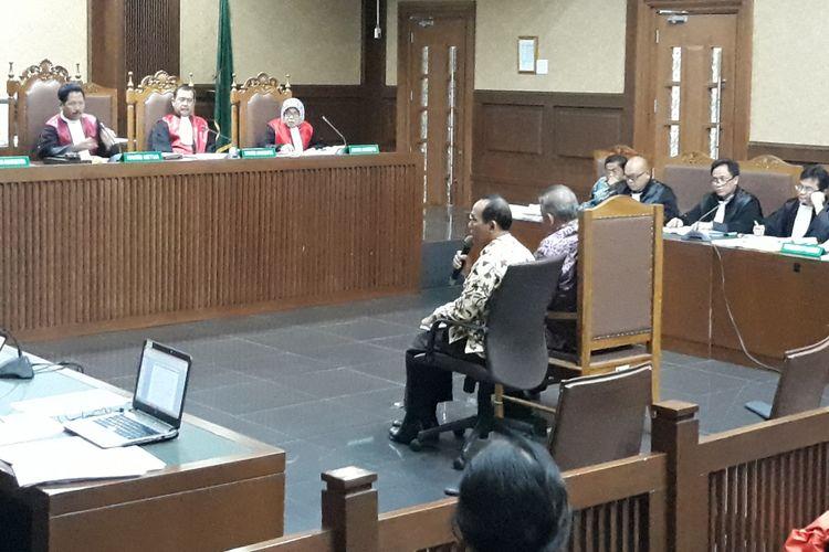 Direktur Utama PT PLN Persero Sofyan Basir dan Direktur Pengadaan Strategis 2 PT PLN Persero Supangkat Iwan Santoso bersaksi di Pengadilan Tipikor Jakarta, Selasa (12/2/2019).