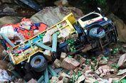 Terguling 3 Kali, Truk Sembako dari Malaysia Masuk Jurang di Sebatik