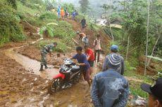 Diterjang Longsor, Akses Jalan ke Dua Kecamatan di Garut Tertutup