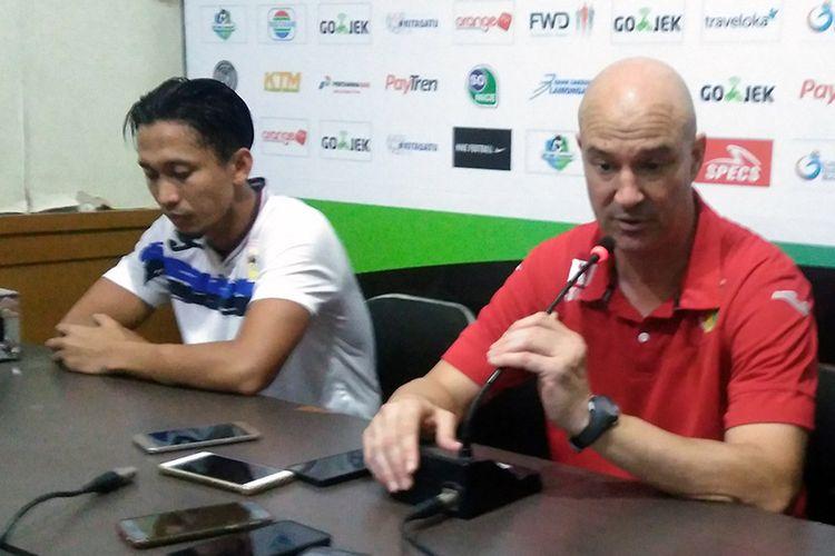 Pelatih Mitra Kukar Tak Percaya Dikalahkan Persela