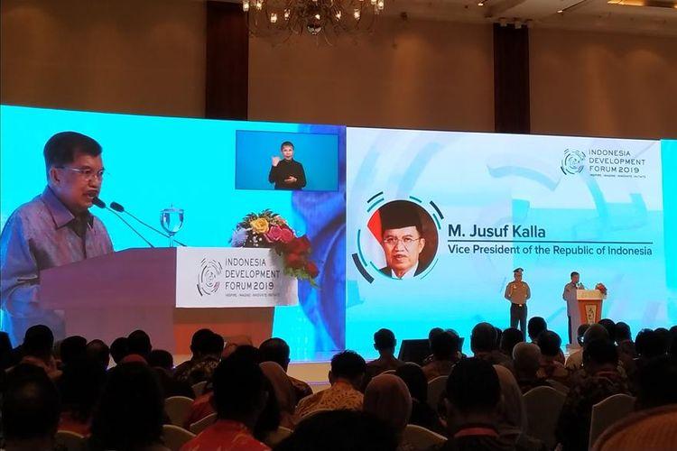 Wakil Presiden (Wapres) Jusuf Kalla membuka Indonesia Development Forum (IDF) 2019 di Jakarta Convention Center, Jakarta, Senin (22/7/2019).