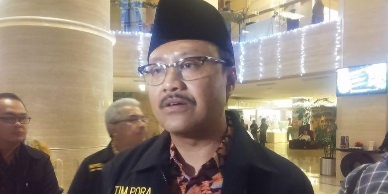 Wakil Gubernur Jawa Timur, Saifullah Yusuf (Gus Ipul), usai pengukuhan Tim Pengawas Orang Asing (PORA) Jatim di Surabaya, Selasa (14/11/2017) malam, mengatakan pihaknya berupaya sekuat tenaga untuk tetap menjaga Jawa Timur bersih dari Warga Negara Asing (WNA) ilegal.