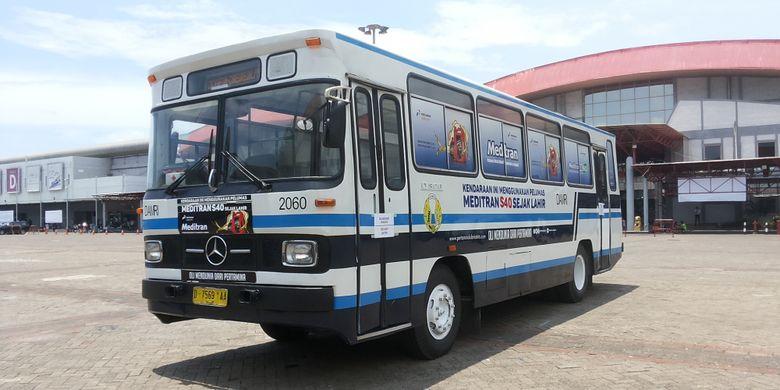 Mercedes Benz OH-306, salah satu bus lawas yang ikut dipamerkan dalam ajang pameran Indonesia Classic N Unique Bus (Incubus) 2018 di Hall B Jakarta International Expo, Kemayoran, Jakarta Pusat pada 22-24 Maret 2018.