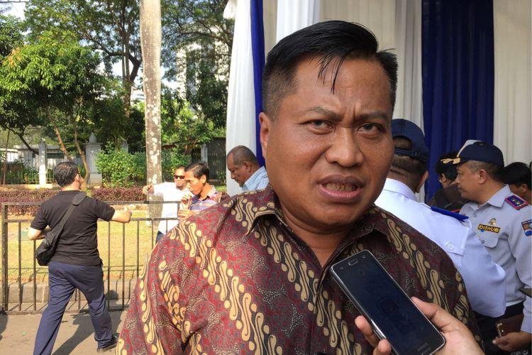 Sekjen DPP Organda Ateng Haryono saat menghadiri acara simbolis pemasangan AC gratis di angkot se-Jabotabek oleh Go-Car dan Uber di Silang Barat Monas, Sabtu (1/7/2017).