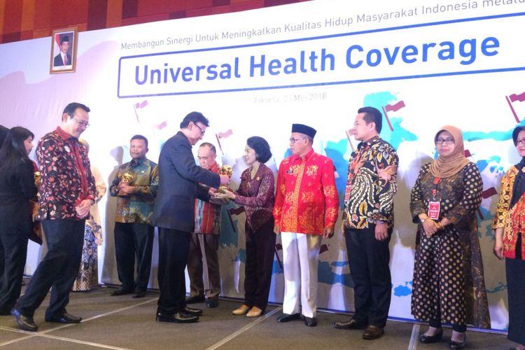 Hendrar Raih Penghargaan Pelayanan Kesehatan Terbaik